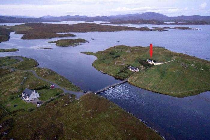 Один дома: особняк на острове для тех, кому надоели окружающие
