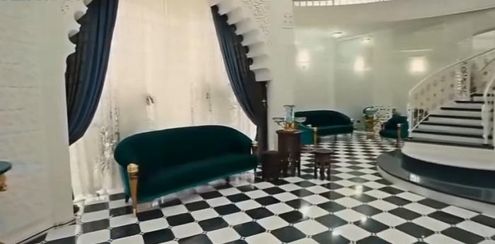 Как выглядит дом самого богатого человека в России