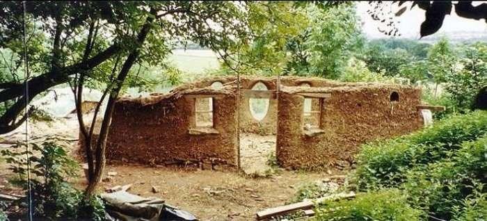 Мужчина построил отличный дом, потратив всего 250 долларов