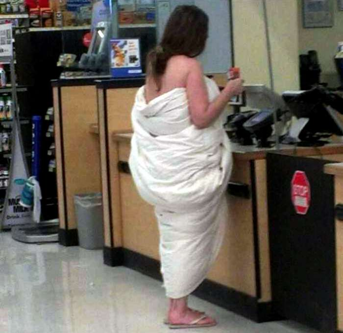 18 чудаковатых посетителей американских супермаркетов, чей внешний вид заставит содрогнуться