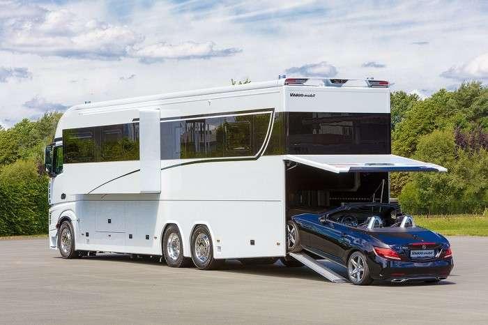 Отдыхайте роскошно: самый большой дом на колесах с собственным гаражом