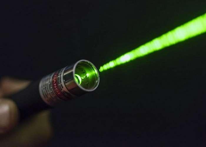 -Осторожно, лазер!-: 10 серьёзных опасностей, которые таят в себе обычные лазерные указки