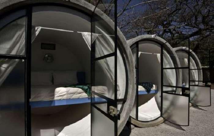 Проще некуда: Бюджетный отель из бетонных труб, в котором есть всё для комфортного отдыха