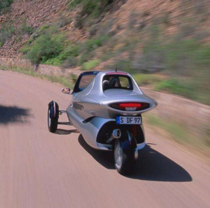 -Скорость – это я-: футуристический тривиллер Mercedes-Benz F 300 бьет все рекорды