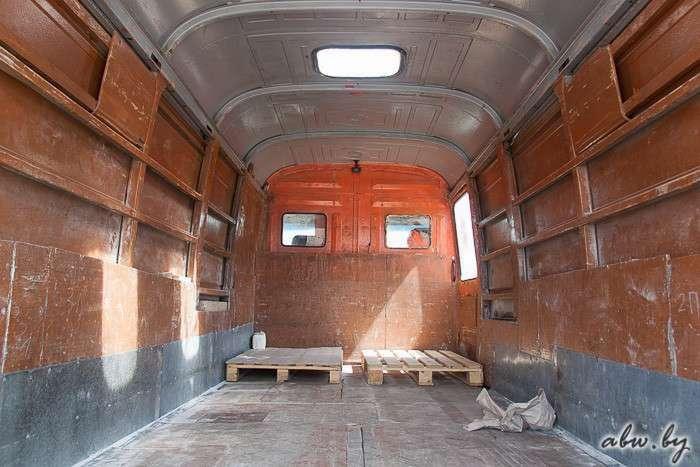 О тонкостях грузоперевозок в Беларуси от владельца 32-летнего Mercedes T2 (11 фото)