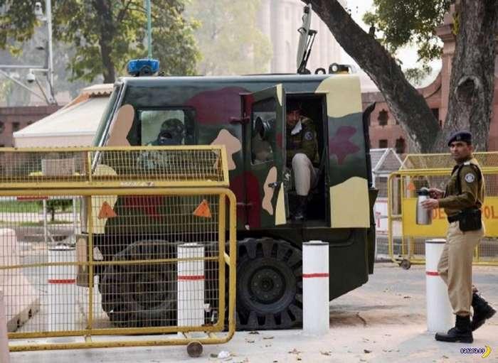 Индийский полицейский нанотанк