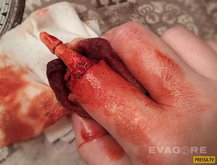 Гипер-реалистичный макияж, от которого мурашки по коже (9 фото)