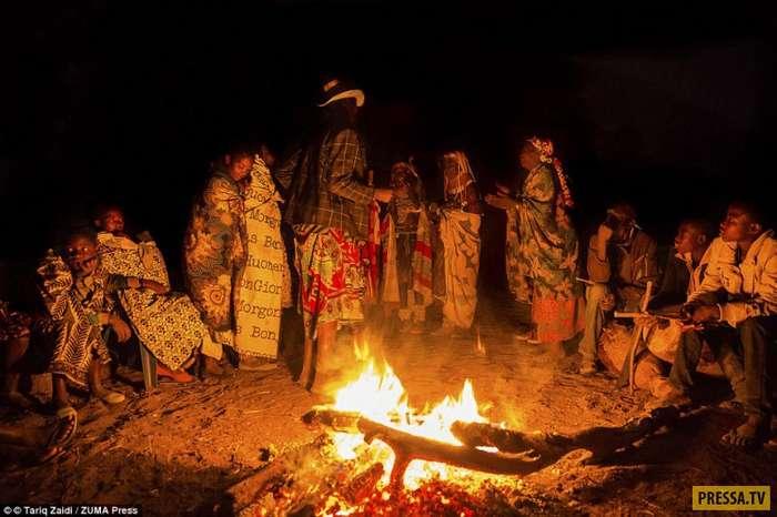 """Удивительные прически женщин из """"потерянных племен"""" Анголы (18 фото)"""