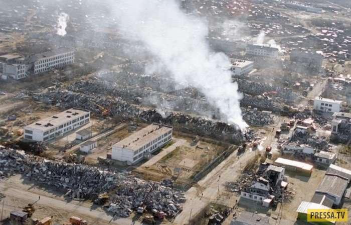Нефтегорск - город мертвых. Страшное землетрясение 28 мая 1995 года (8 фото + видео)