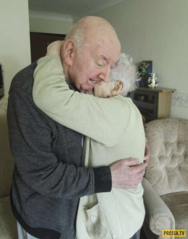 98-летняя Ада Китинг переехала в дом престарелых, чтобы ухаживать за 80-летним сыном (8 фото)