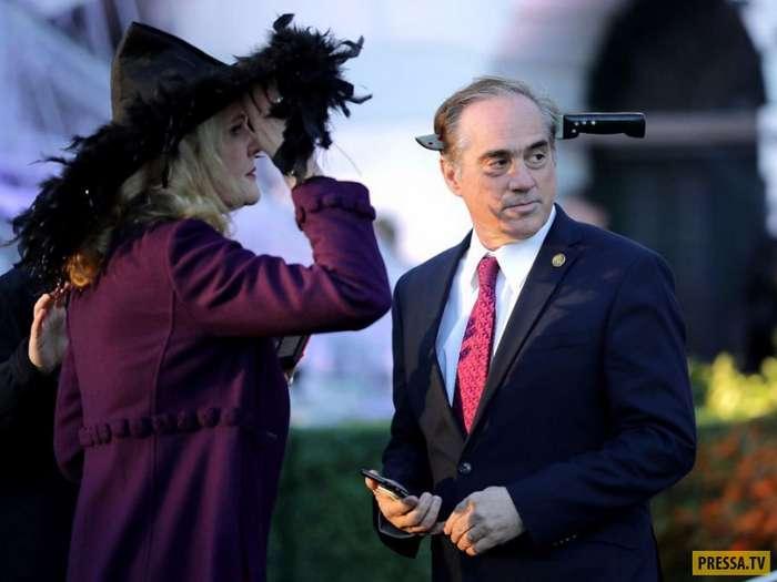 Как праздновали Хэллоуин американский президент с супругой (11 фото)