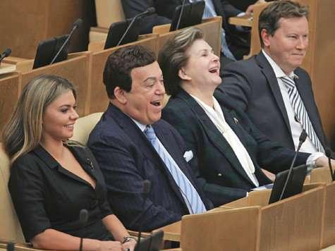 Мракобесие кругом: протоиереи выступают с новостями из ада, пока депутаты молятся на камеру