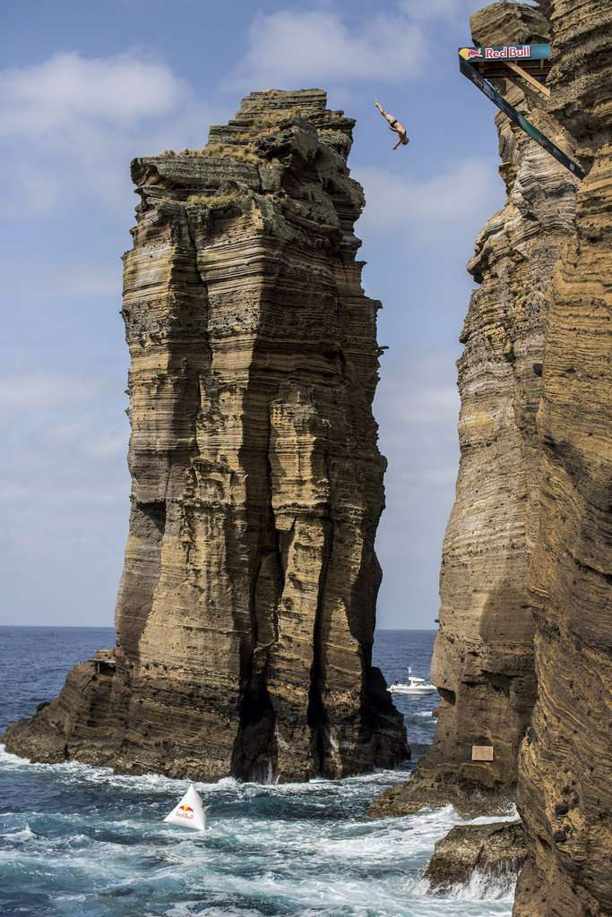Тем, кто боится высоты, лучше эту подборку не смотреть