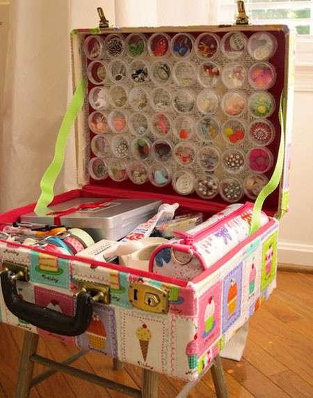 Жалко выбрасывать дедушкин чемодан? И не нужно, вот как его можно использовать. Гениально!-17 фото-