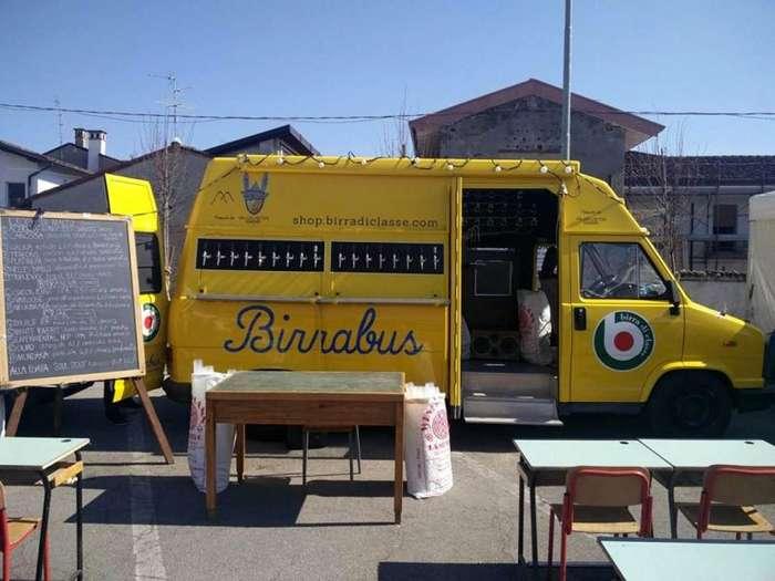 Birrabus - пивная на колесах из старого фургона-13 фото-
