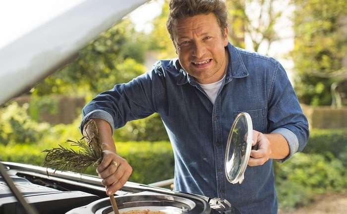 Знаменитый шеф-повар превратил свой внедорожник в мобильную кухню!-17 фото-