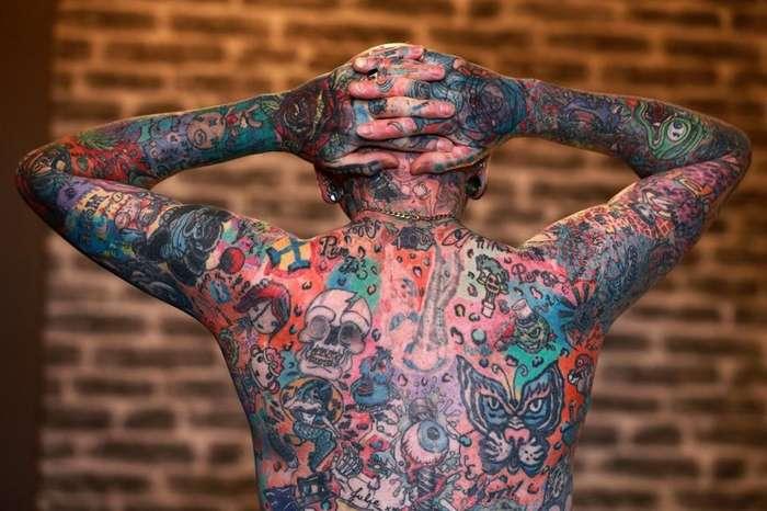 58-летний британец почти полностью покрыл своё тело татуировками — и там тоже-11 фото-