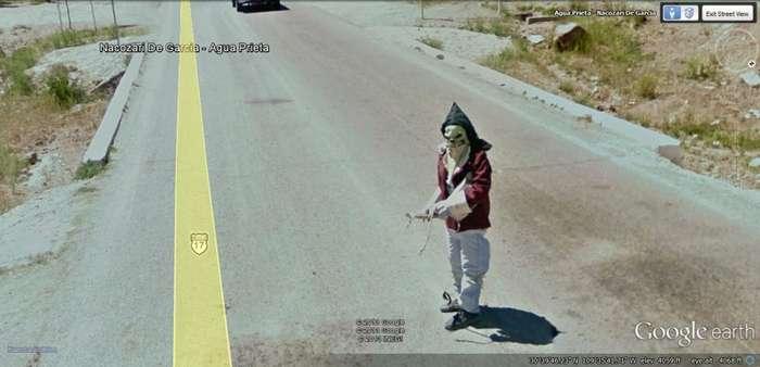 Необычные снимки, которые делает машинка Google.Maps-15 фото-