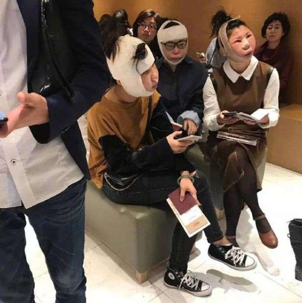 Любительницы пластической хирургии застряли в аэропорту из-за неузнаваемых лиц-1 фото-