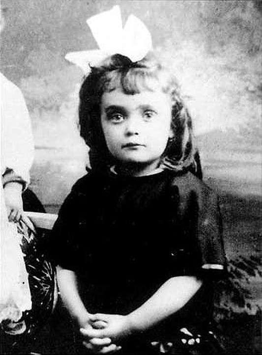 -Ее жизнь так печальна, что рассказ о ней кажется неправдоподобным-: великая трагедия Эдит Пиаф-21 фото-