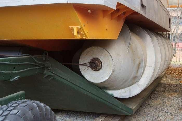 Шнековый вездеход - он там, где танки не пройдут!-12 фото + 1 видео-