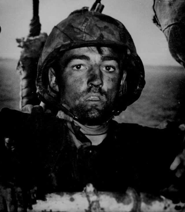 Смотрят, но не видят: взгляд солдат, вышедших из боя-10 фото-