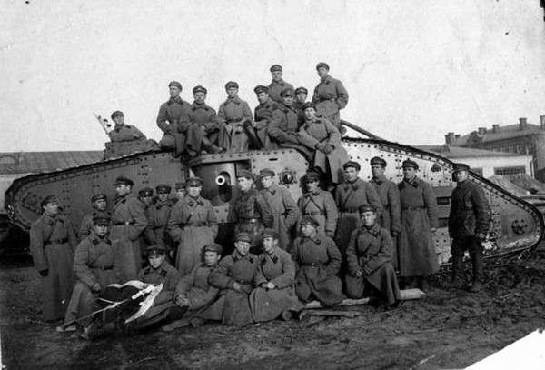 Танки Врангеля в боях за Царицын-10 фото-