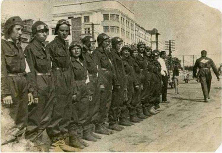 Мотопробег советских женщин 1936 года-11 фото-