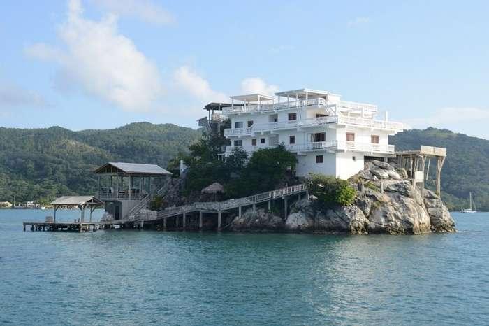 10 самых крошечных населенных островов мира-11 фото-