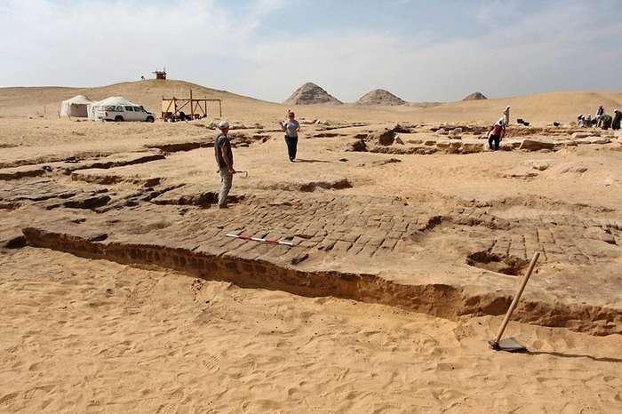 В Абусире обнаружили ранее неизвестный храм Рамсеса II-5 фото-