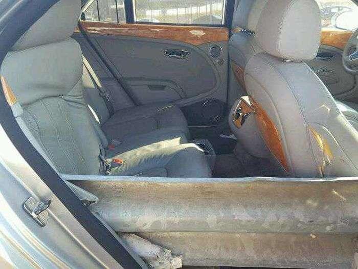 Bentley на шпажке - битый лимузин выставили на продажу-9 фото-