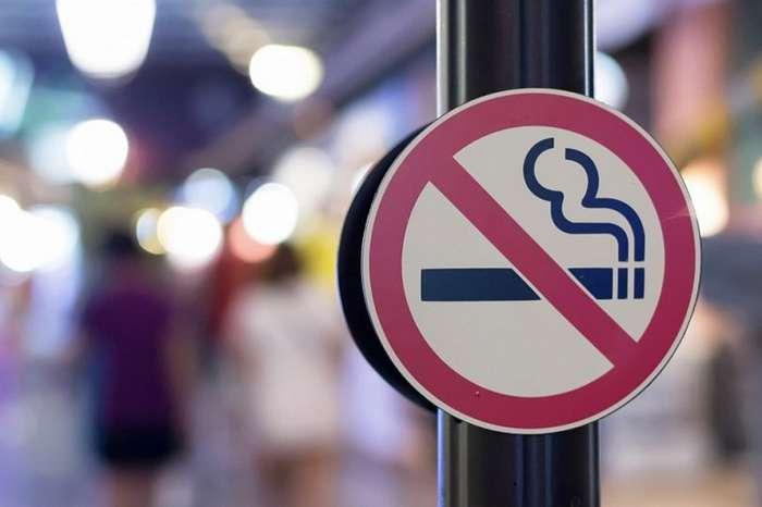 Запрет на курение у подъездов-2 фото-
