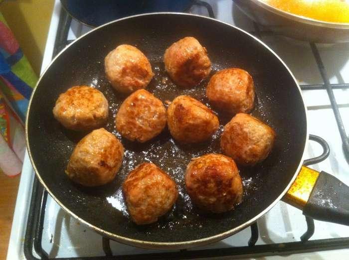 Тефтельки в томатном соусе-6 фото-