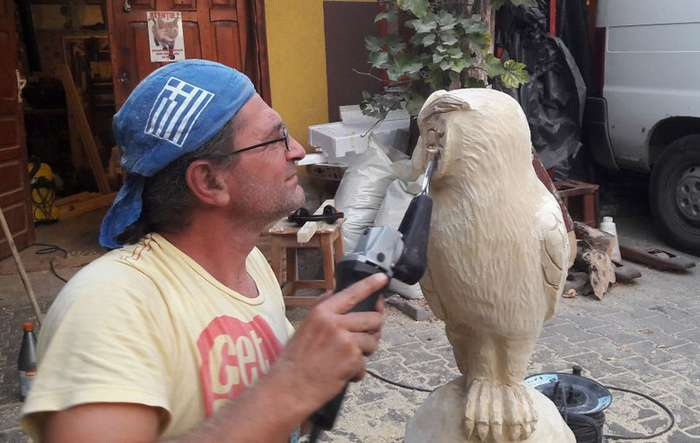 Румынский художник творит деревянные чудеса бензопилой-11 фото-