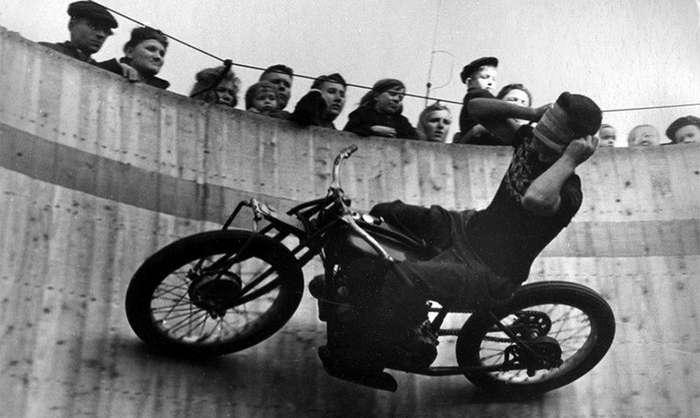 -Можно отдать сразу две жизни- или кто придумал советский мотоаттракцион?-15 фото-