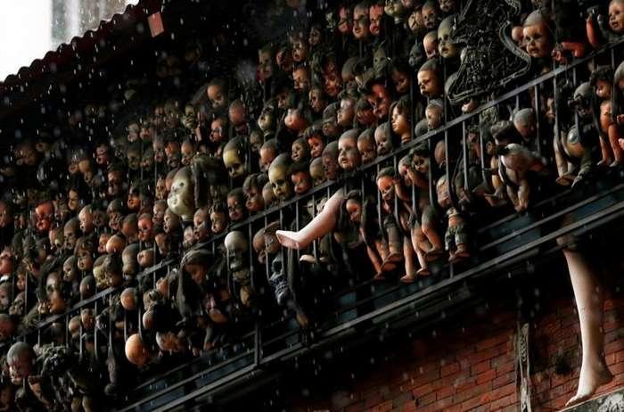 Жуткая коллекция кукол на балконе Этаниса Гонсалеса в Каракасе-7 фото-