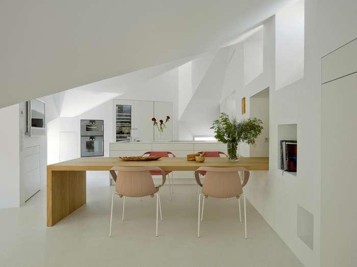 Интерьер двухуровневой квартиры в Мадриде