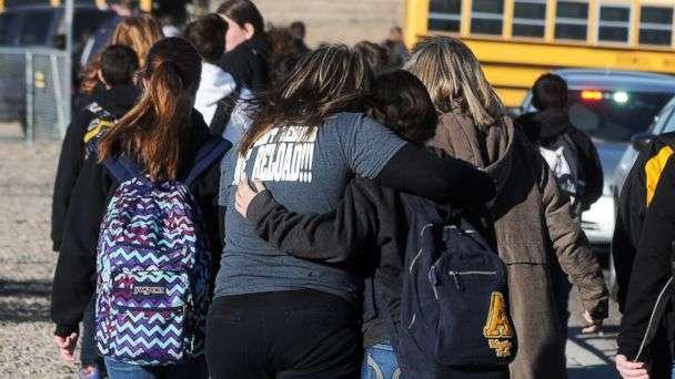 Дети с оружием. Кто такие школьные стрелки, и почему их строит бояться?