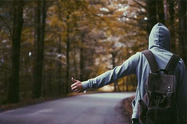 Все прелести автостопа или парочка сумасшедших историй от любителей путешествовать на попутках