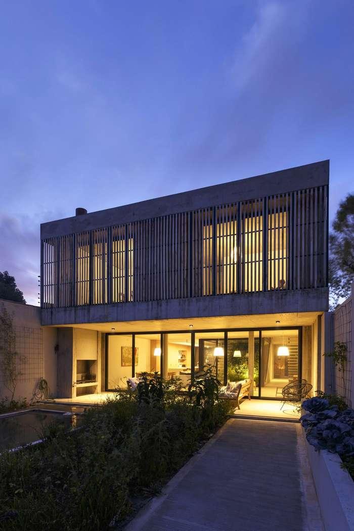 Необычный дизайн энергоэффективного дома в Аргентине