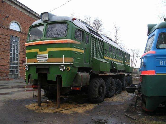 Фотошоп или нет: Российский тепловоз-монстр на автомобильных колесах