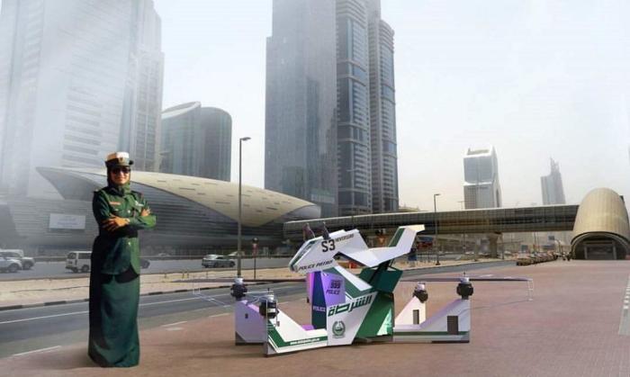 Полиция Дубая научилась летать