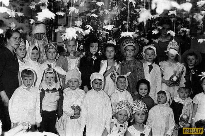 Аромат праздника - Новогодние утренники для советских детей (17 фото)