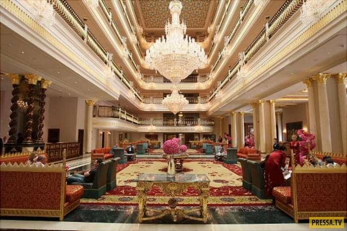 """В Анталье разграбили """"семизвездочный"""" отель Mardan Palace, построенный бывшим владельцем Черкизовского рынка Тельманом Исмаиловым (2 фото)"""