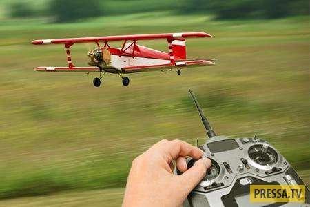 Самолет на радиоуправлении и дед-пройдоха
