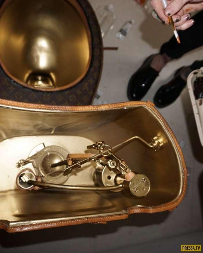 """Дизайнерский унитаз из 24 сумочек и чемодана """"Луи Виттон"""" (6 фото)"""