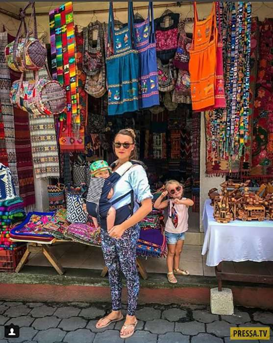 Супружеская пара из Англии путешествует по всему миру с маленькими детьми (16 фото)