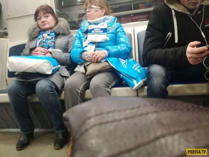 Забавные и странные люди из метро (40 фото)