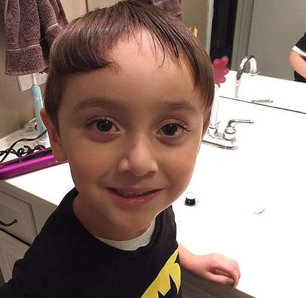 Сам себе парикмахер: детишки делают себе стрижки, пока родители не видят!-10 фото-