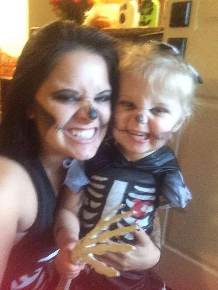 Как мама с помощью костюмов на Хэллоуин помогает 3-летней дочери принять себя-7 фото-